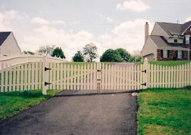 GATE_PVC_driveway